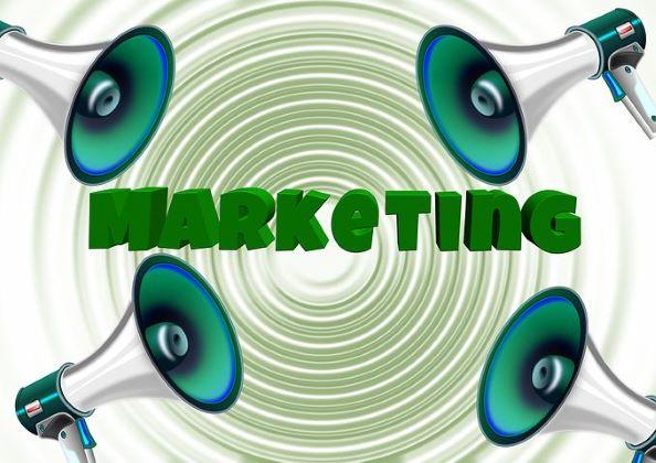 コンテンツマーケティングは専門の企業へ依頼するべきか?